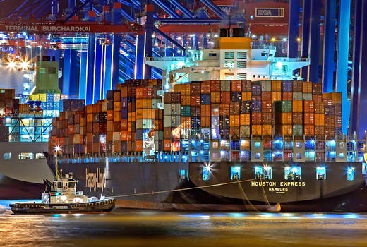 How to compare international shipping companies