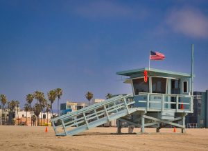 Moving from Lebanon to the USA is going to have a lot of surprises, but you will not live the lifestyle of Baywatch.